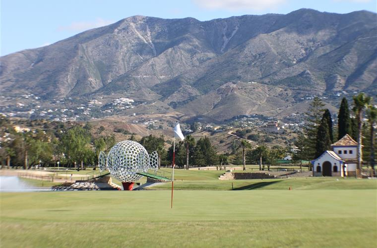 Mijas Golf – a great place to buy a holiday home!